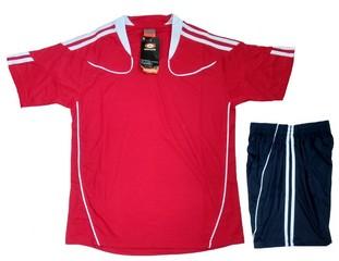 Форма футбольная арт.0429 (красная)